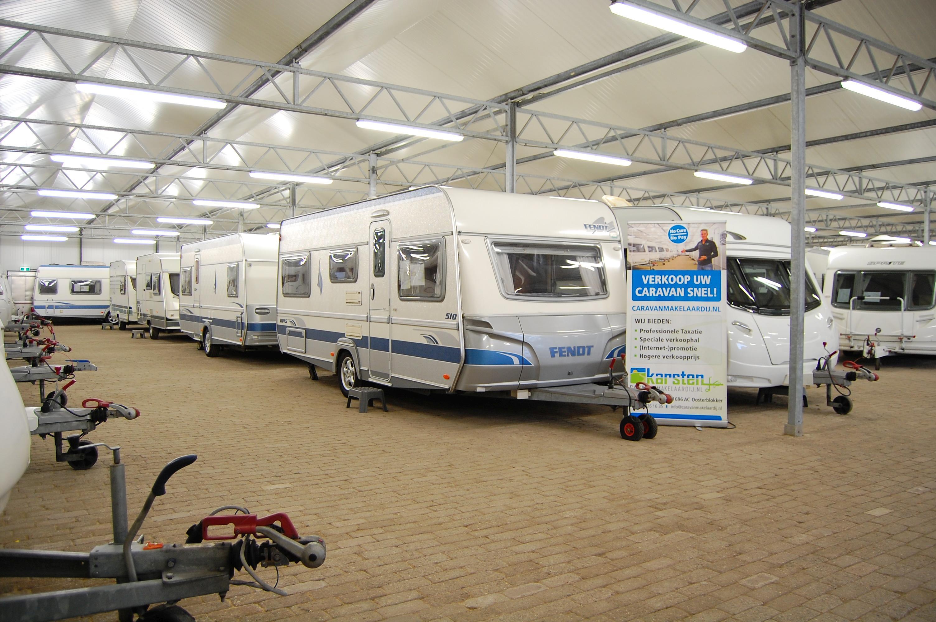 stalling en caravan verkoophal